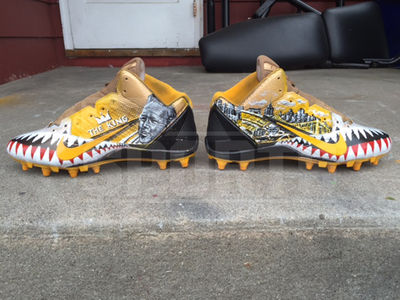 Antonio Brown -- Gets 'Arnold Palmer Tribute' Cleats ... Hail to 'The King' (PHOTO)