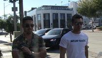 Joe Jonas & Wilmer Valderrama -- Eskimo Brothers ... Make for a Great Carpool (VIDEO)