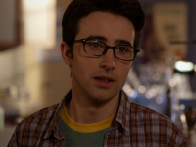 Max in '90210': 'Memba Him!?