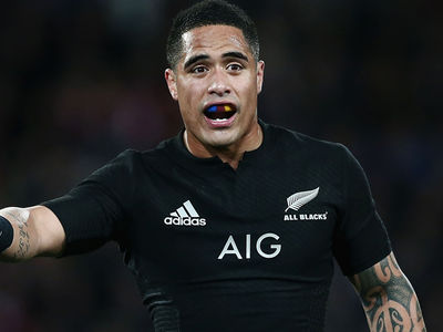 Rugby Superstar Aaron Smith -- Apologizes for Banging Chick In Airport Bathroom (VIDEO)