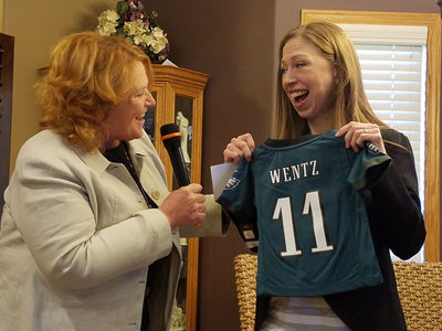 Chelsea Clinton -- I'M ON THE WENTZ WAGON ... Go Eagles! (PHOTO)
