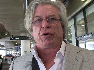 Ron White -- Alleged Tour Bus Vandal No Match For My Golf Club and Undies