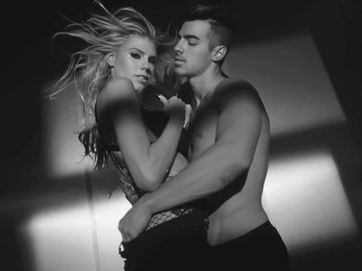 12 Hot Joe Jonas and Charlotte McKinney Gifs from the New DNCE Video
