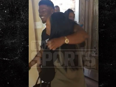 Browns Rookie Corey Coleman -- Happy Birthday, Mom ... Here's A BRAND NEW HOUSE!! (VIDEO)