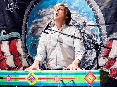 Paul McCartney -- Fans on the Run ... For Surprise Desert Concert (PHOTOS + VIDEO)