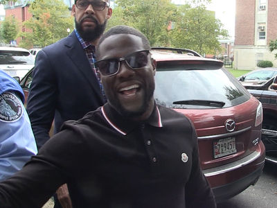 Kevin Hart -- My Hollywood Star Has an Old Sole (VIDEO)