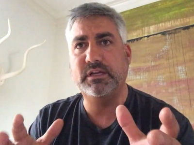 Taylor Hicks -- Midair Emergency ... I Thought I Was Going to Die (VIDEO + PHOTOS)
