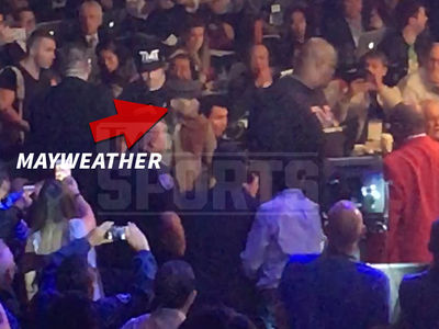 Floyd Mayweather -- Booed at Pacquiao Fight ... Knows Exactly What He's Doing (VIDEO)