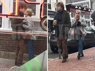Emma Roberts & Evan Peters -- It's On Again ... Sealed With a Kiss (PHOTOS)