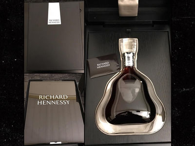 NFL's James Harrison -- Gifted $4k Bottle Of Henny ... Has Better Co-Workers Than You (PHOTO)