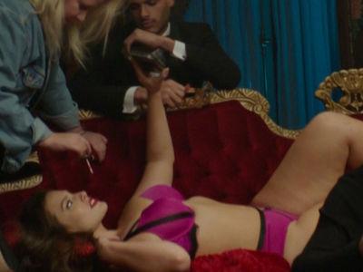 Ashley Graham -- I've Got a Leg Up on Mannequin Challenge (VIDEO)
