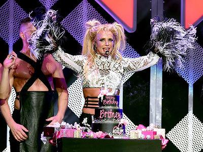 Britney Spears -- It's Birthday Britney, Bitch (PHOTO)