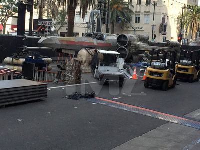 'Rogue One: A Star Wars Story' -- X-Wing Marks Spot On Hollywood Blvd (PHOTO GALLERY)