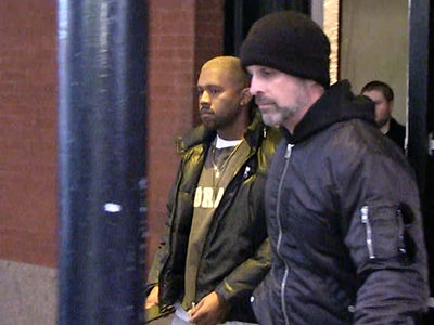 Kanye West Healthy Enough to Fly to NYC (VIDEO)