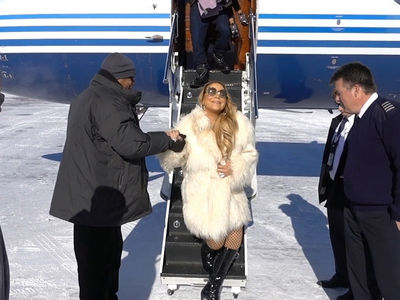 Mariah Carey Arriving In Aspen (VIDEO)