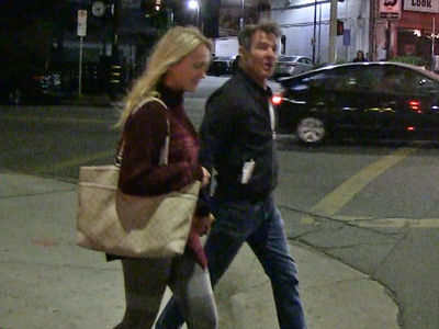 Dennis Quaid's New Gal Has Something In Common With Santa (VIDEO)