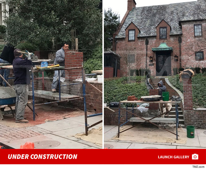 President Obama Builds A Wall For Rental House Tmz Com