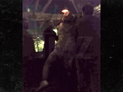 Jamie Foxx Attacked at Catch Restaurant (VIDEO)