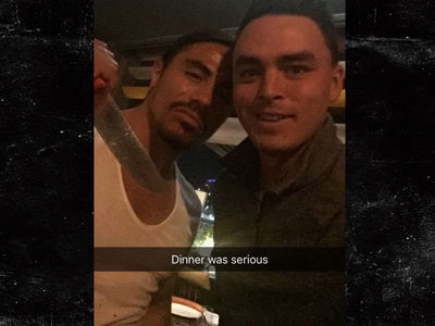Chef 'Salt Bae' Chops That Meat for Rickie Fowler (PHOTO + VIDEO)