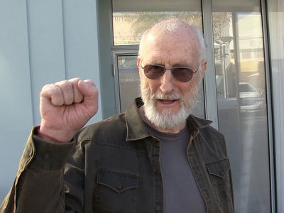 James Cromwell Says Trump Needs to Quit (VIDEO)