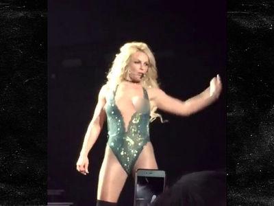 Britney Spears Has Vegas Nip Slip (VIDEO)