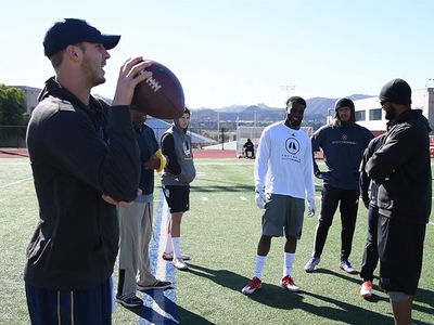 Jared Goff Runs NFL Combine Crash Course ... With NFL Hopefuls (VIDEO)