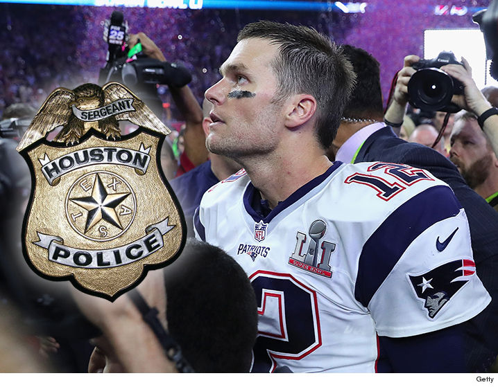 The NFL security team is taking the lead on the Tom Brady missing Super  Bowl uniform case ... not the Houston Police Dept. At least that s the  situation ... a2a9e76fc