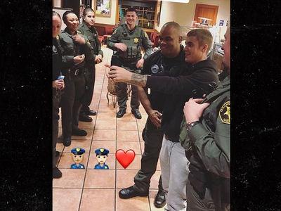 Justin Bieber Buys Starbucks for Orange County Sheriff Deputies (PHOTO)