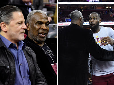 Charles Oakley Returns To Knicks Game ... In Cleveland (PHOTOS)