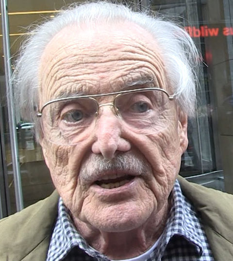 William Daniels -- now 89 years old -- was spotted in New York looking worldly.