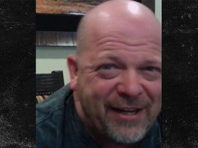 Rick Harrison Offers Tom Brady $100k for Stolen Jersey ... CASH MONEY! (VIDEO)