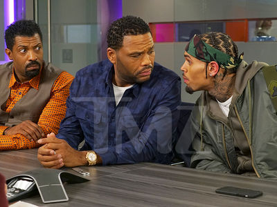 Chris Brown Guest Stars on 'Black-ish' (PHOTO)