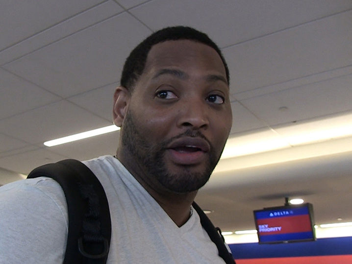 Robert Horry Says Master P Has To Pay Dues To Be NBA Coach (VIDEO ... 8dc37e339