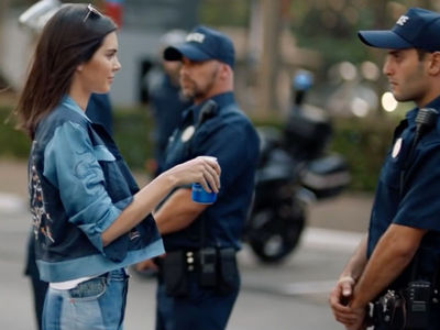 Kendall Jenner's Final Pepsi Scene Inspired by '60s Pic ... NOT Black Lives Matter (PHOTOS)