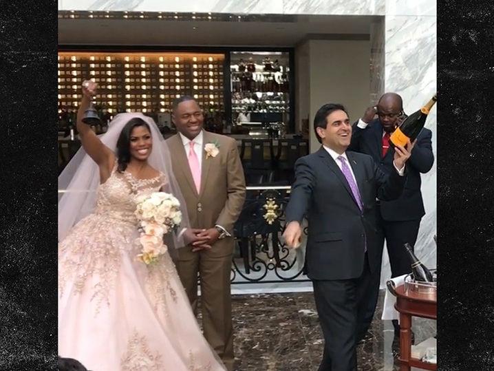 Omarosa Marries Pastor John Allen Newman At Trump Dc Hotel Tmz
