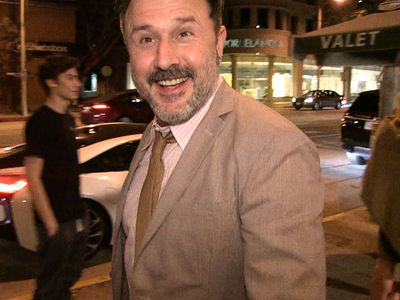 David Arquette Offers to Be Gronk's WWE Manager (VIDEO)
