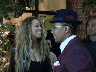 Mariah Carey & Nick Cannon Are Back Together For Dinner ... And The Kids (VIDEO)