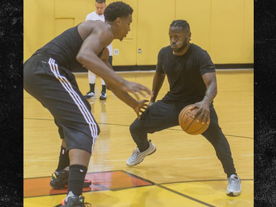 Antonio Brown Goes 1-On-1 with NBA Star Hassan Whiteside, Looks Good (VIDEO)