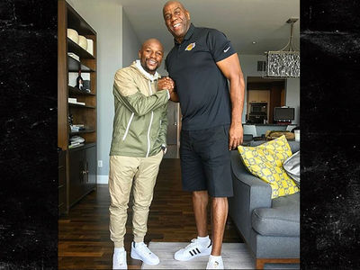 Floyd Mayweather Meets with Magic Johnson, Gunning for NBA Ownership (PHOTO)