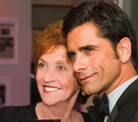 John Stamos shared a nice pic with his mother.