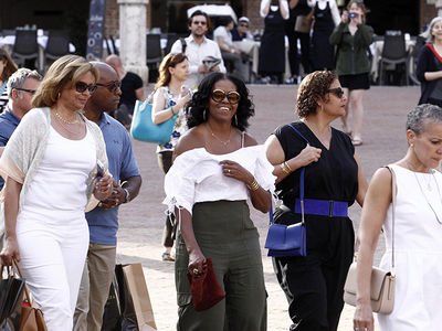 Michelle Obama Shows Major Shoulder ... Italian Style (PHOTOS)