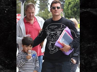 Orlando Bloom, Son and Miranda Kerr's Dad Hang Out, But is He Invited to Her Wedding? (PHOTOS)