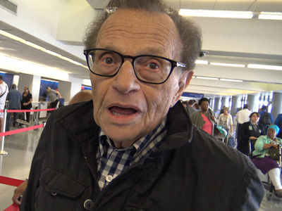 Larry King Says CNN Screwed Up, Kathy Griffin Deserves a Pass (VIDEO)