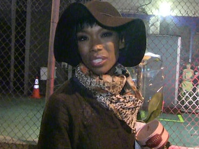 Brandy Norwood Unconscious on Delta Flight, Rushed To Hospital (UPDATE)