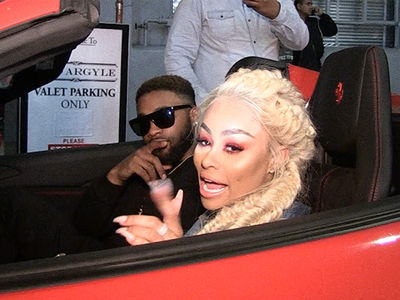 Blac Chyna Shows New Bae and Paparazzi Mad Love!! (VIDEO)