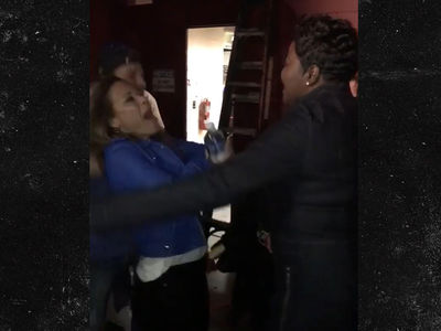 Kevin Durant's Mom Went Crazy with Steph Curry's Mom After Game 3! (VIDEO)