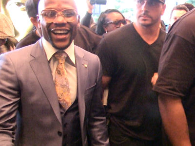 Floyd Mayweather Flashes $300 Million Smile after Fight Announcement