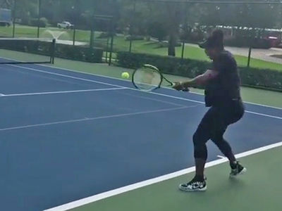 Pregnant Serena Williams Smashing Tennis Balls In 3rd Trimester