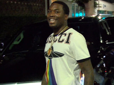 Meek Mill Denies Jumping Safaree And Says He Won't Fight Him