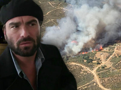 'Big Bang' Star Johnny Galecki's Home Burns Down in Massive Fire